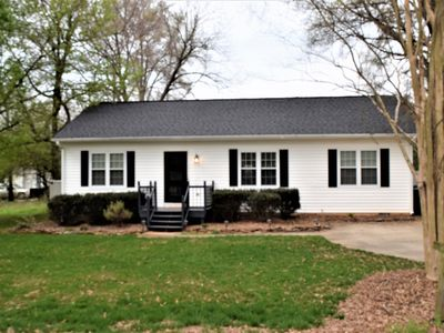 Photo for Comfy Cottage in Huntersville
