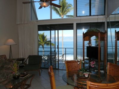 Sit at the dining table, watch T.V. on our 32' flat screen as the waves crash.