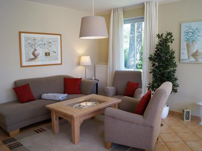 Photo for Spacious apartment with glazed porch in the living area u. sheltered terrace.