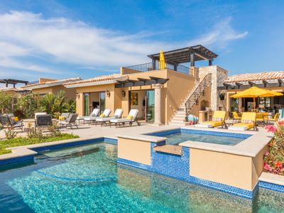 Photo for OUTDOOR PARADISE!  Golf-Front Villa w/ Pool, Hot Tub, Restaurants & Lagoon!
