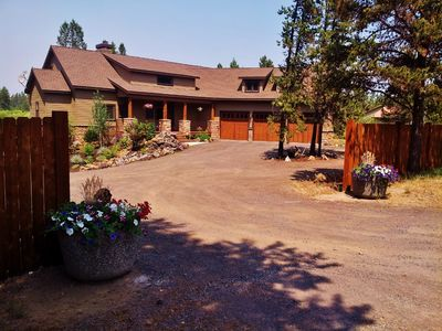 Photo for Beautiful 5 bdrm! Hot tub! River! Bring the dogs! 5 minutes to Sunriver Village!