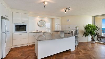 Photo for Monterey Lodge Unit 9 Kings Beach QLD