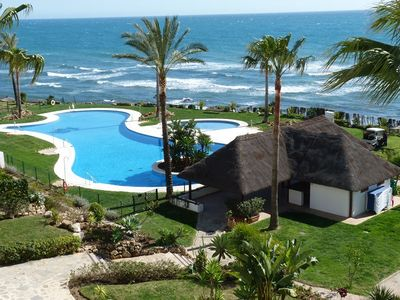 Main pool and residents beach bar - FREE WIFI- in Apartment