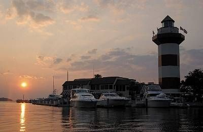 Hilton Head Isalnd Lighthouse (10  minutes from condo). Dine/Shop/Cruise & more!