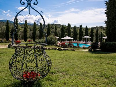 Photo for Elegant villa with swimming pool in the heart of Narni