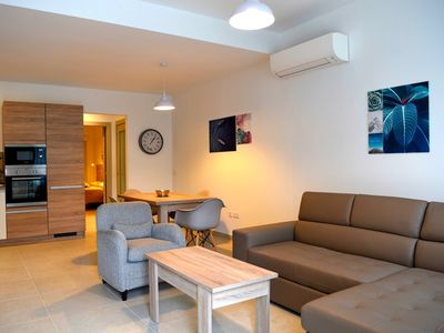 Photo for JB Flats  Apartment Ivy apartment in Sliema with WiFi, air conditioning & lift.