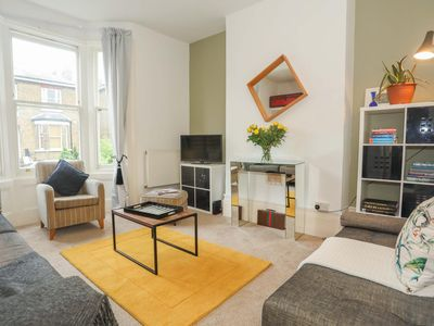 Photo for Super Greenwich 2 Bed Flat Close to Tube and Sites
