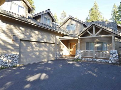 Photo for 14 Catkin Lane: 4 BR / 4 BA home in Sunriver, Sleeps 10