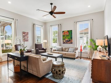 Stunning, Renovated Luxury Home Near Frenchmen St, FQ!