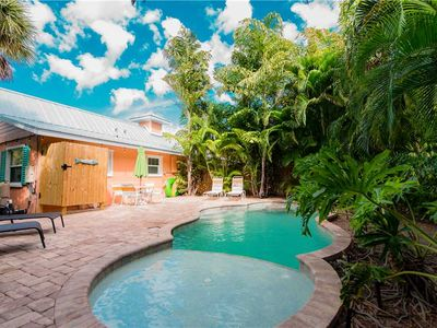Charming 1 bedroom with a private pool!!