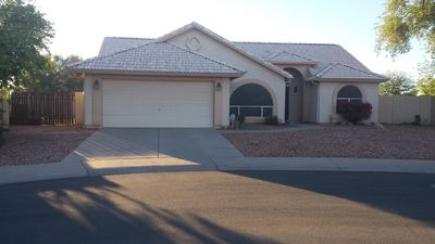 Photo for Beautiful 3 bedroom  2 bath Peoria home