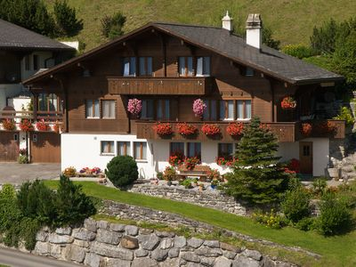 Photo for Apartment with panoramic views of the mountains, glaciers and Lake Brienz
