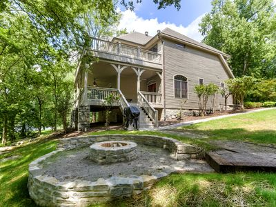 Photo for Spacious, secluded Lakehouse near Nashville, includes firepit, & kayaks