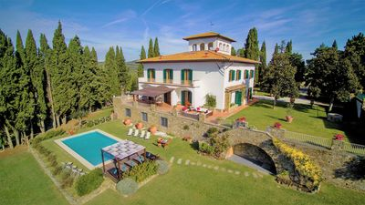 Photo for Charming Villa 8 BR-9 BA, pool,  14 Km from Florence, Wi-Fi, A/C, Chianti area