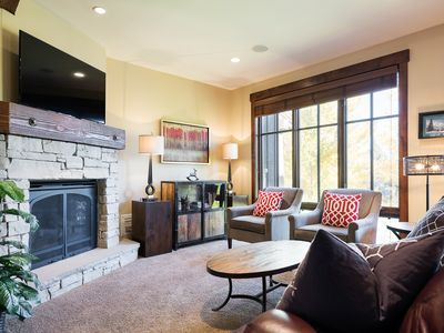 Photo for Stately mountain townhome, walk to chairlift -- winter shuttle, onsite concierge, golf course views