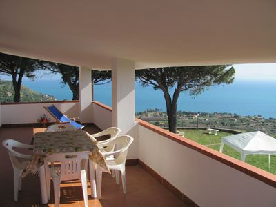 Photo for Apartment in villa with sea view 1