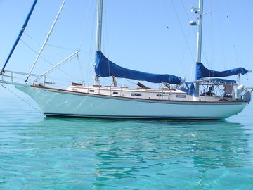 Come Sail Windward In The Crystal Clear Waters Of The Bahamas !