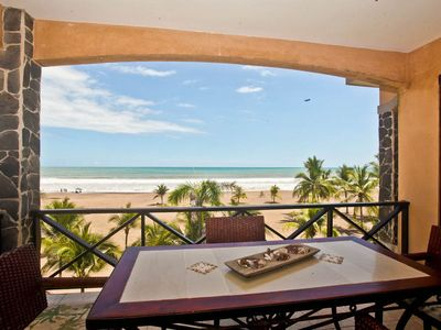 Photo for Beautiful 2 bed, 2 bath with unobstructed ocean views!