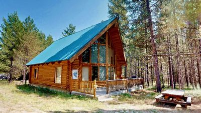 Photo for LONE STAR RETREAT⭐️1BR 1BA +LOFT 35MINS TO YELLOWSTONE BBQ GRILL QUIET WOODED AREA