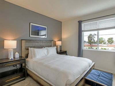 Photo for Urban Flat| New Foster City Suite| Pool + Wifi + Gym