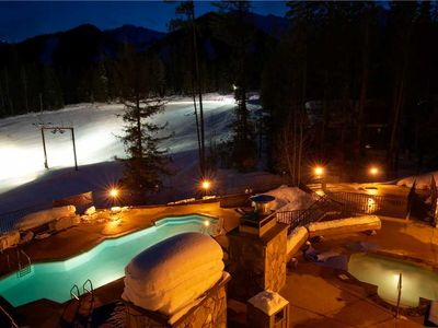 Photo for Pet friendly ski in/ski out with kitchen, outdoor hot tub and pool, located under the Elk chair: 209