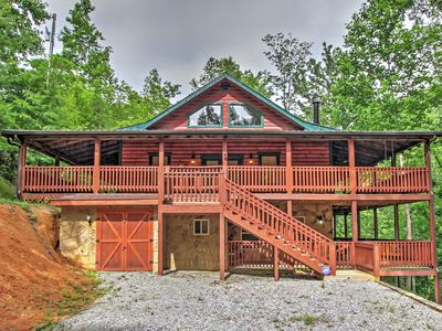 Photo for Grand Smoky Mtn. Cabin w/Hot Tub & Outdoor Kitchen