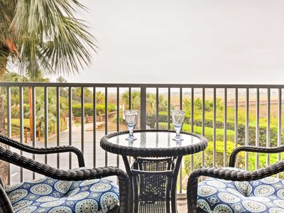 Photo for Hilton Head Resort Condo w/ Beach & Pool Access!