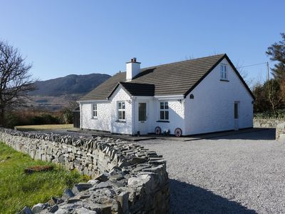 Photo for STONEY COTTAGE, family friendly in Tully, County Galway, Ref 4402
