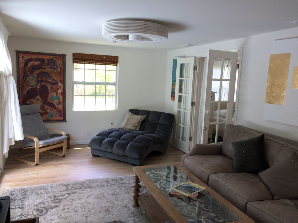 Gorgeous 1 Bedroom Cottage Apartment In High End Area West Palm Beach Florida South Atlantic