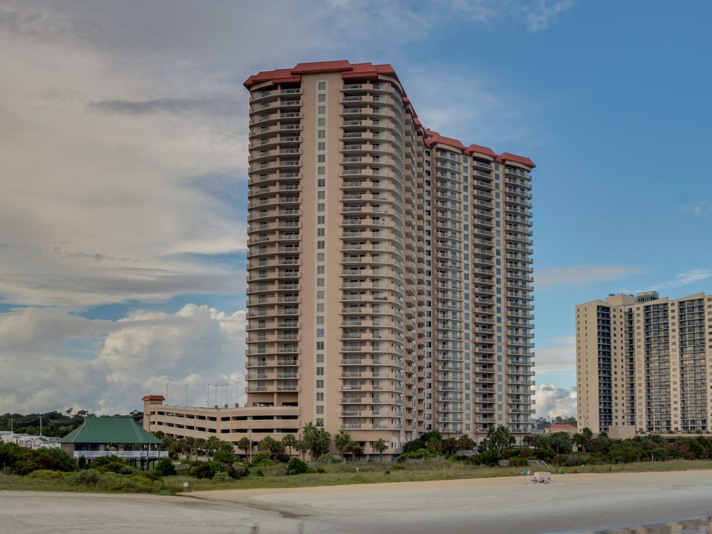 Beautiful 3 bedroom ocean view condo locate vrbo for 3 bedroom condo myrtle beach sc