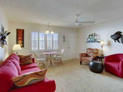 Photo for Sunset Chateau 412 - Lovely beach front, 2BR on popular Sunset Beach!