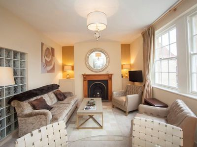 Photo for Beautiful jewel of an apartment in the centre of historic Bath