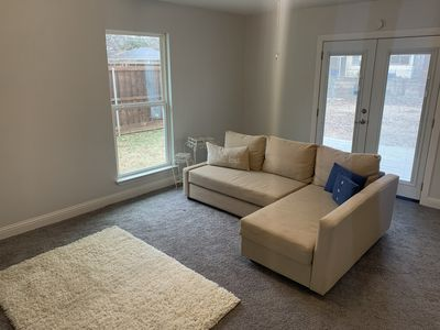 Photo for 3 bed / 3 bath, 15 Mins from Downtown!