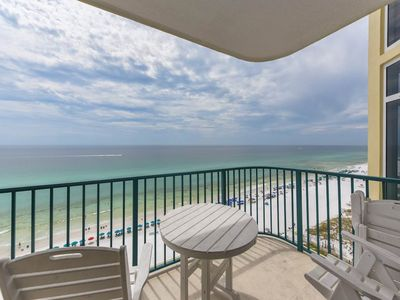 Photo for 11th Floor Open, airy condo, 2 beach chairs included, Close to dining