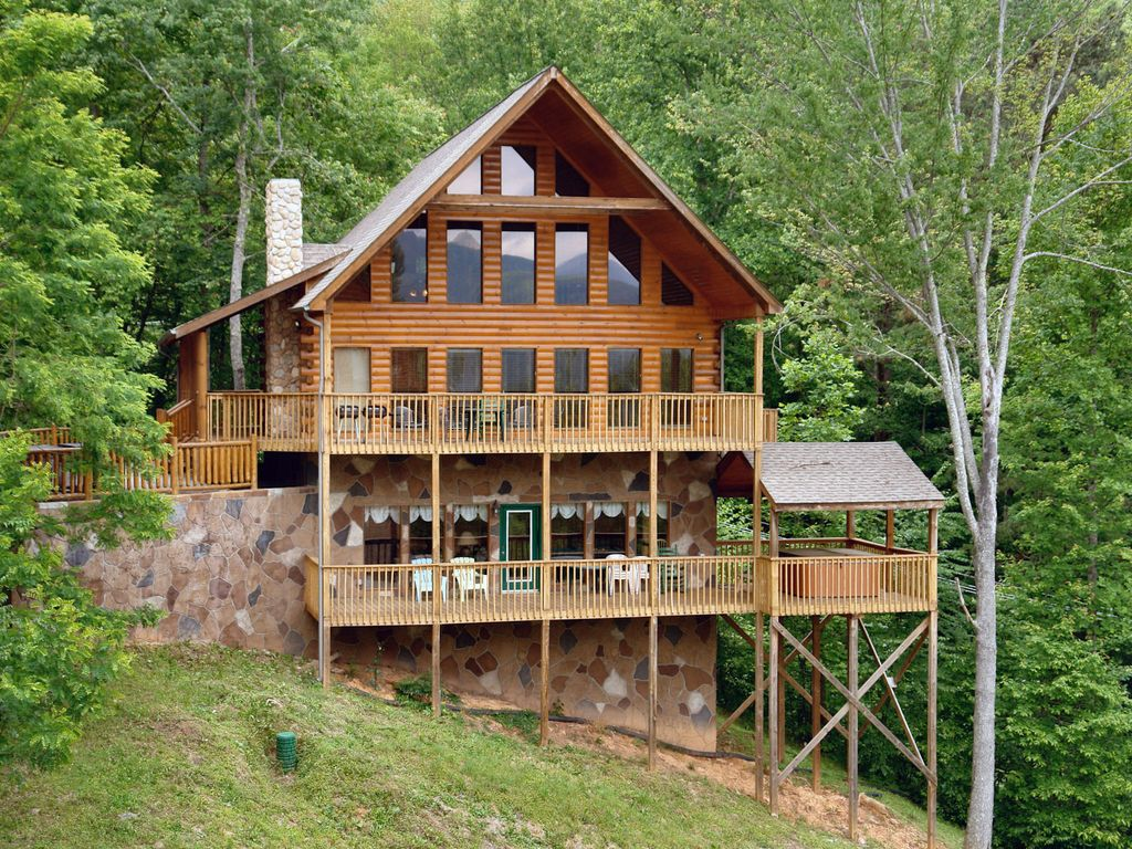 Gatlinburg cabin in the mountains hillbill vrbo for 1 bedroom pet friendly cabins in gatlinburg tn
