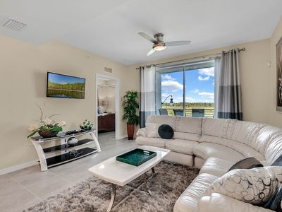 Photo for 2 Bedroom/2 Bathroom Storey Lake (305)