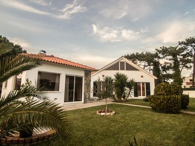 Photo for 4BR Villa Vacation Rental in sintra