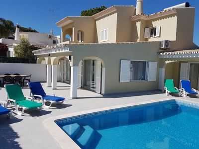 Photo for Modernised villa for 6, private pool, 10 min walk to beach