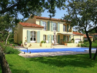 Photo for Large villa with private pool between Provence and Riviera