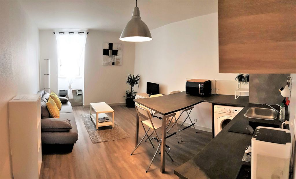 Tr s bel appartement t2 meubl centre vitr abritel for Appartement design t2