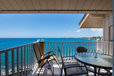 Top Floor - Direct Ocean Front