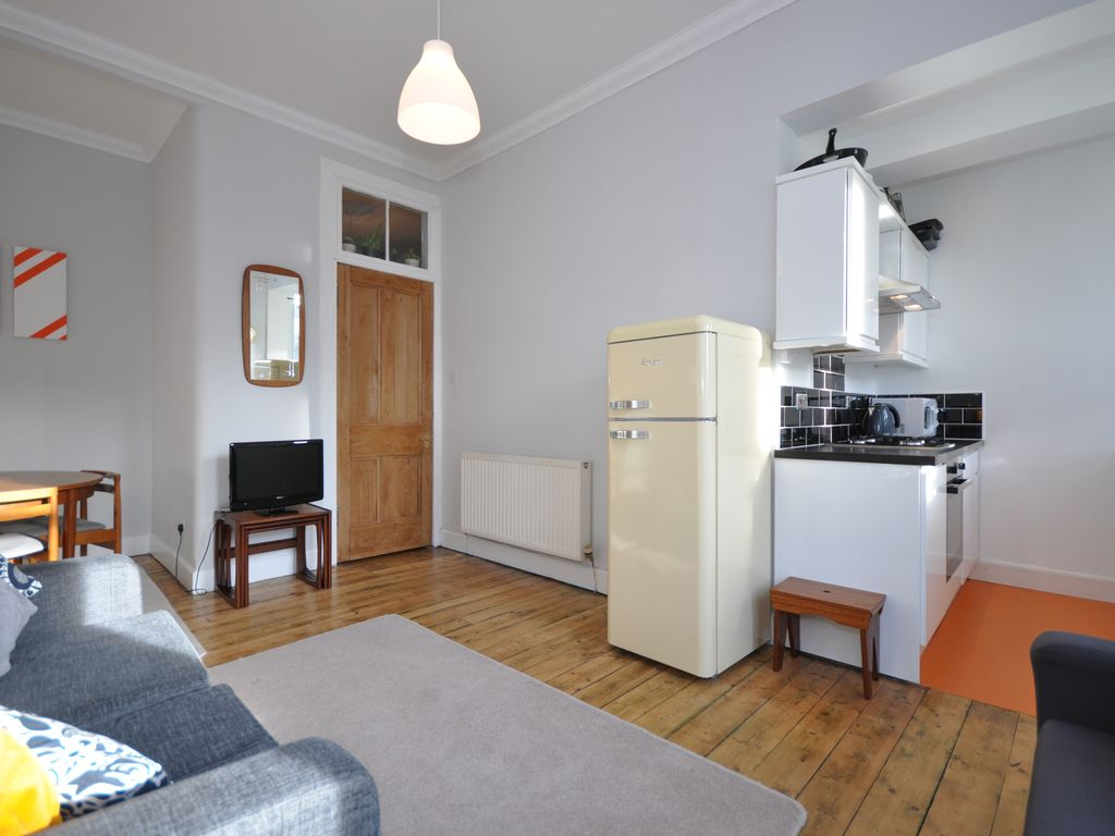Sunny 2 bedroom flat in Glasgow's West End