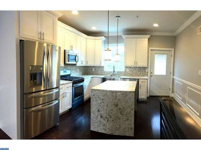 BRAND NEW 4BD/3Bath patio and HUGE Rooftop deck. Amazing Views!