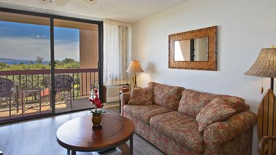 Photo for Beautiful Air Conditioned 1 bed 1 bath 616 sq ft Condo Steps from a Great Beach!