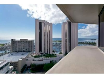 Waikiki Ocean View Studio with Free Parking