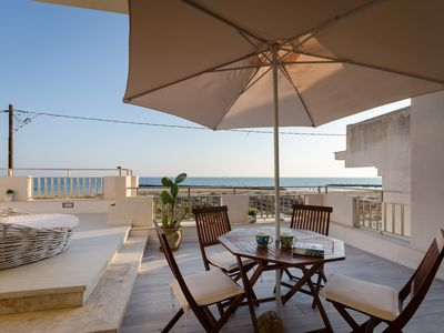 Photo for Apartment with terrace, sea view, directly on the sandy beach, wifi, max. 4 pers.