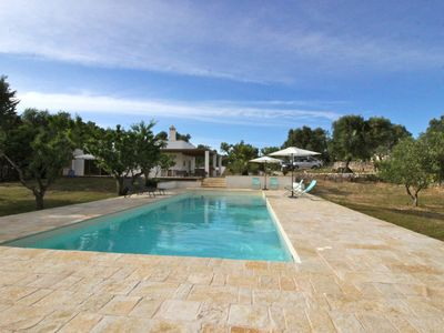 Photo for Beautiful private villa for 8 guests with private pool, A/C, WIFI and parking, close to Ostuni