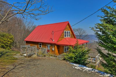 Nestled on the Blue Ridge Mountains, this cabin offers exceptional views.