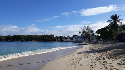 Quiet, Ground Floor, Air Conditioned Apartment -  35 Meters To The Beach