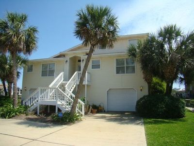 Photo for JUNE 8th Beach & Boating Paradise w/Private Pool,Boat Dock,Game Room,& Jacuzzi